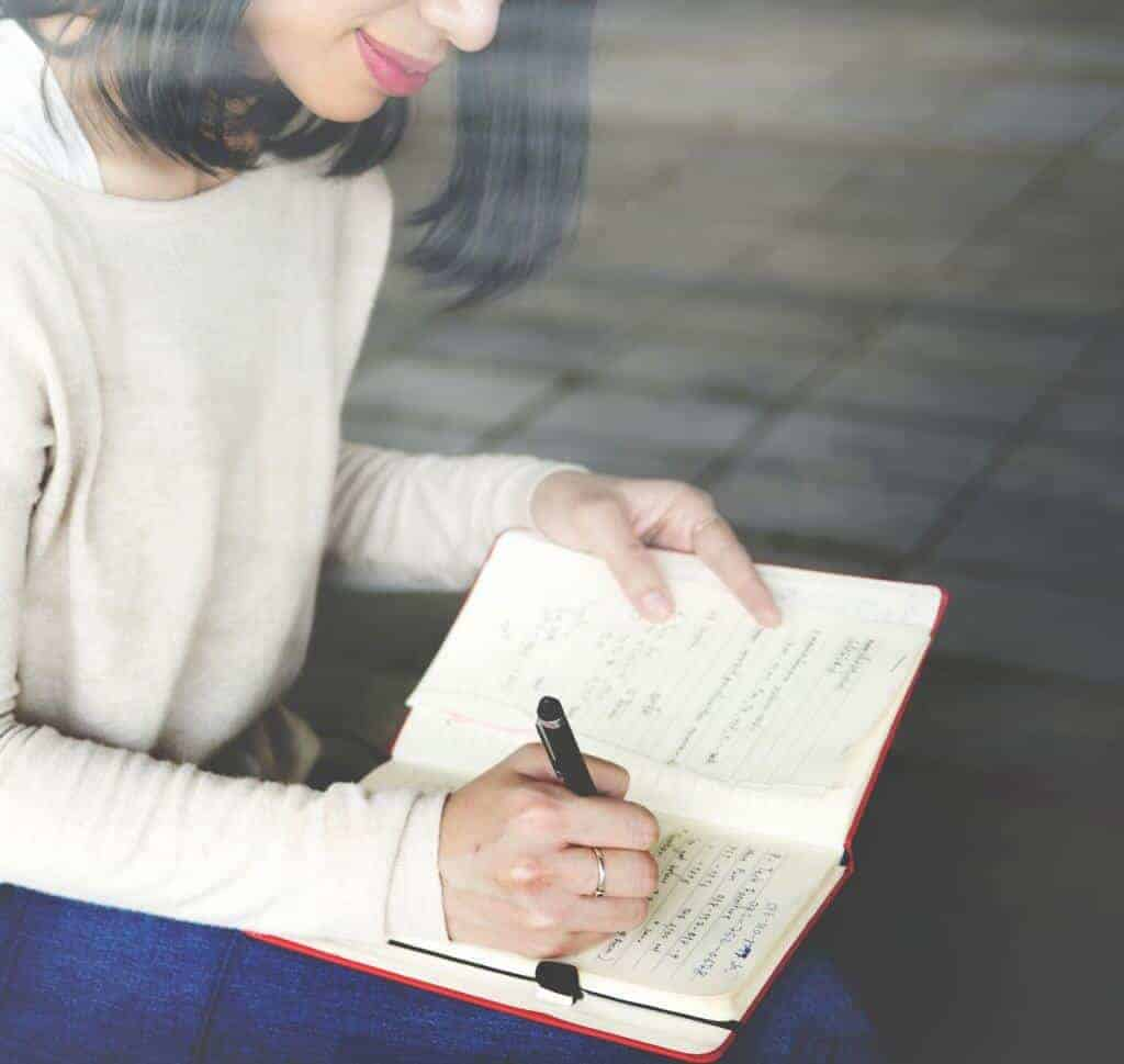 Learn how to keep a journal consistently